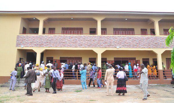 Ambode Commissions blocks of classrooms in Apapa1