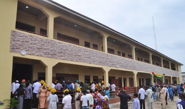 Ambode Commissions blocks of classrooms in Apapa2