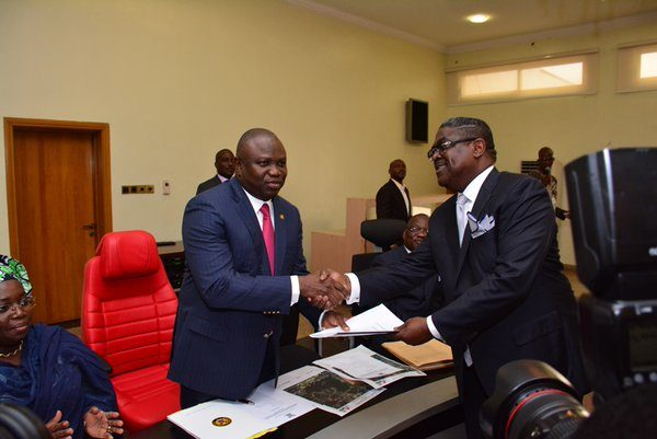 Ambode Signs MoU for 4th Mainland Bridge3