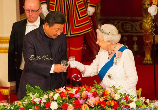 LONDON, ENGLAND - OCTOBER 20: President of China Xi Jinping (L) and Britain's Queen Elizabeth II attend a state banquet at Buckingham Palace on October 20, 2015 in London, England. The President of the People's Republic of China, Mr Xi Jinping and his wife, Madame Peng Liyuan, are paying a State Visit to the United Kingdom as guests of the Queen. They will stay at Buckingham Palace and undertake engagements in London and Manchester. The last state visit paid by a Chinese President to the UK was Hu Jintao in 2005. (Photo by Dominic Lipinski - WPA Pool /Getty Images