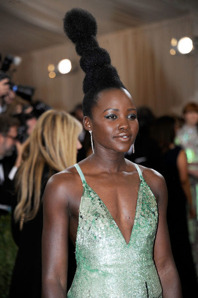 """NEW YORK, NY - MAY 02:  Lupita Nyong'o attends """"Manus x Machina: Fashion In An Age Of Technology"""" Costume Institute Gala at  (Photo by Rabbani and Solimene Photography/Getty Images)"""
