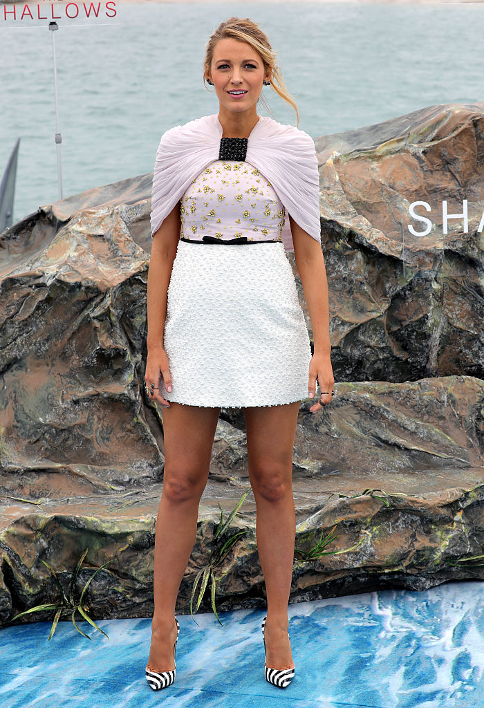"""CANNES, FRANCE - MAY 13: Blake Lively attends the """"The Shallows"""" photocall during the 69th annual Cannes Film Festival at the Palais des Festivals on May 13, 2016 in Cannes, France. (Photo by Neilson Barnard/Getty Images)"""
