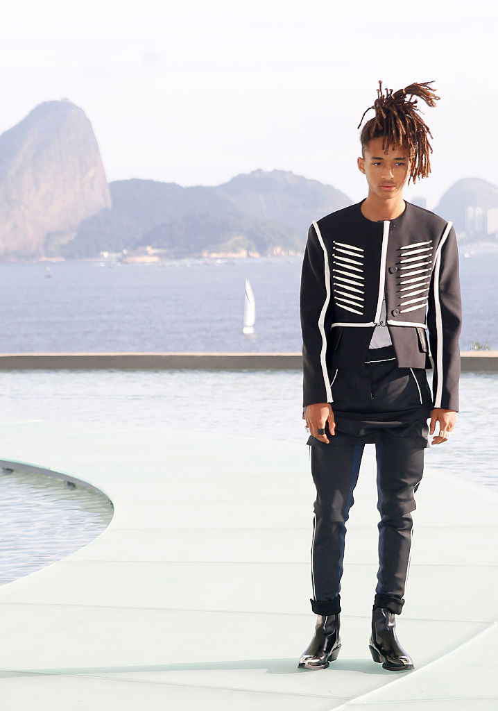 NITEROI, BRAZIL - MAY 28: Jaden Smith attends Louis Vuitton 2017 Cruise Collection at MAC Niter on May 28, 2016 in Niteroi, Brazil. (Photo by Vivian Fernandez/Getty Images)