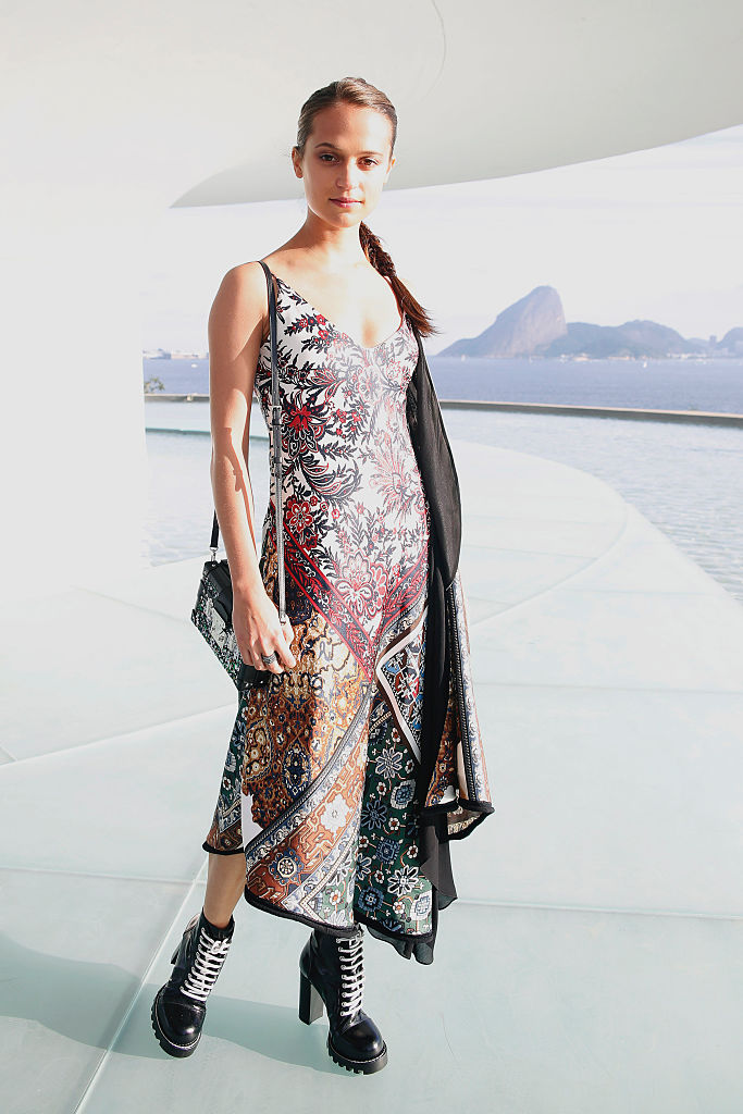 NITEROI, BRAZIL - MAY 28: Alicia Vikander attends Louis Vuitton 2017 Cruise Collection at MAC Niter on May 28, 2016 in Niteroi, Brazil. (Photo by Vivian Fernandez/Getty Images)