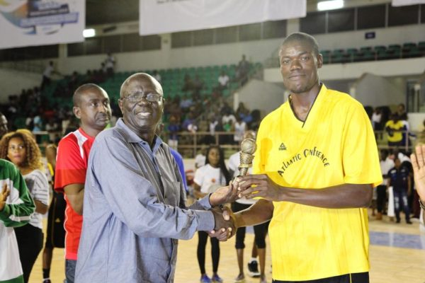 Presentation of laurels to outstanding players