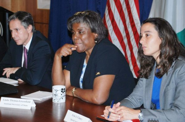 FROM LEFT: U.S. DEPUTY SECRETARY OF STATE, ANTONY BLINKEN; U.S. ASSISTANT SECRETARY OF STATE, LINDA THOMAS-GREENFIELD AND SPECIAL ASSISTANT TO THE DEPUTY SECRETARY, ERIN CLANCY, DURING THE MEDIA ROUND-TABLE ON THE 2ND  REGIONAL SECURITY SUMMIT IN ABUJA ON FRIDAY (13/5/16). 3556/13/5/2016/HB/NAN
