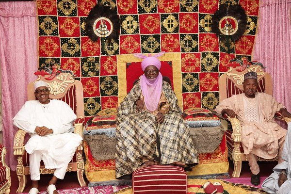 President Buhari was today hosted to a lunch by the Emir of Daura HRH Alhaji Faruk Umar Faruk, at the Emir's Palace2