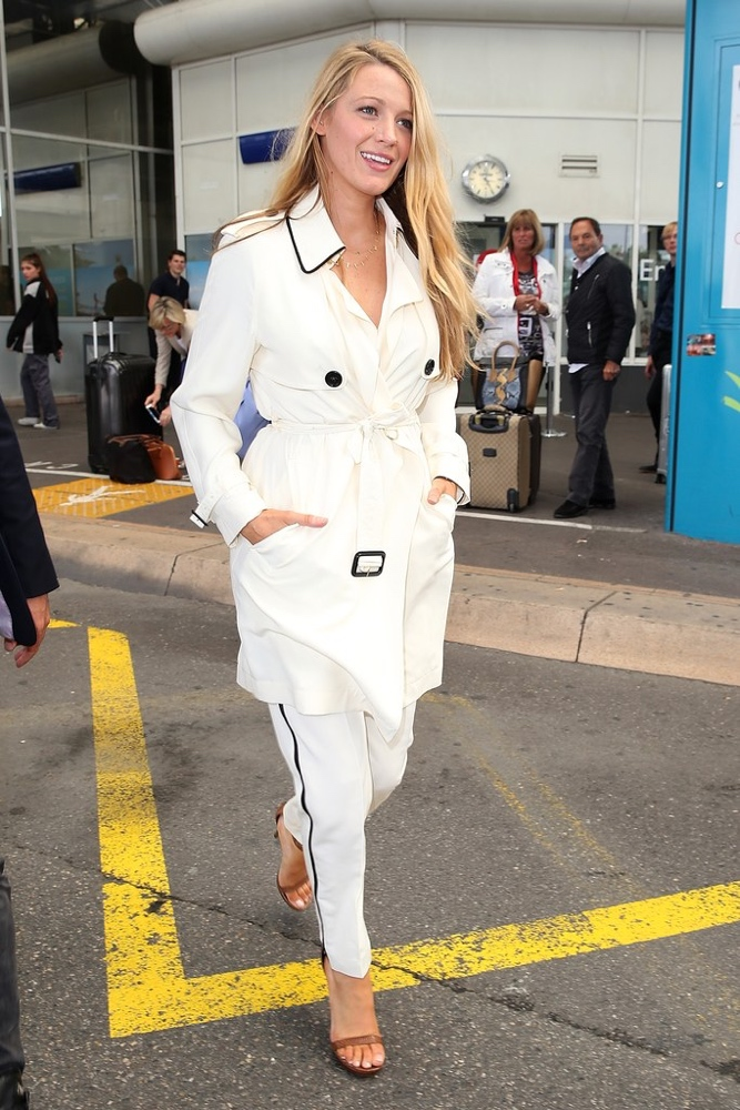 blake lively bn style your bump bellanaija may2016 a_12-cannes-film-festival-2016-blake-lively-burberry-trench
