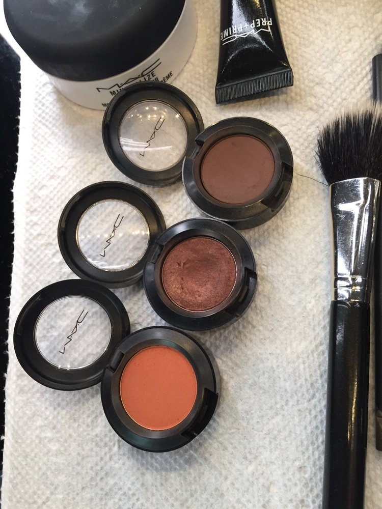 Three Eyeshadow Colours. Contour, Base and Transition. (Top - Bottom)