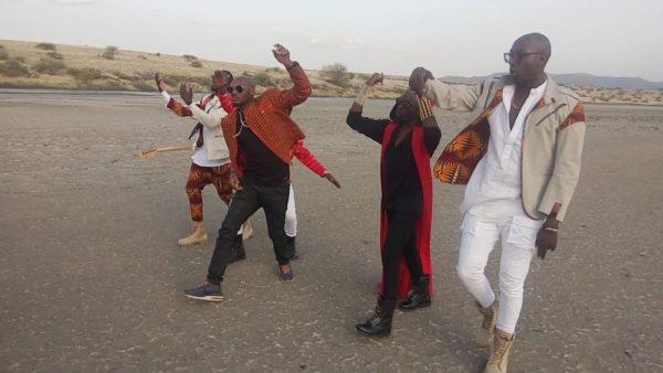 2Baba Sauti Sol Oya Make We Go Video Shoot BellaNaija (5)