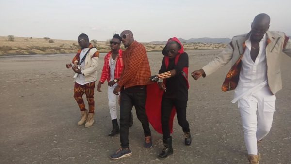 2Baba Sauti Sol Oya Make We Go Video Shoot BellaNaija (6)
