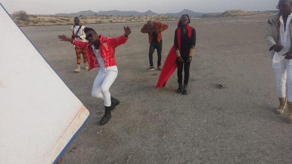 2Baba Sauti Sol Oya Make We Go Video Shoot BellaNaija (7)