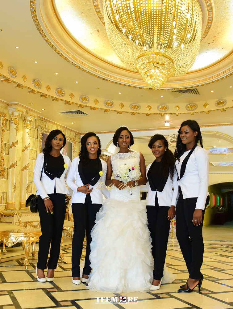 The Bridesmaids In Suits That Went Viral Dera Teemore Talk Their