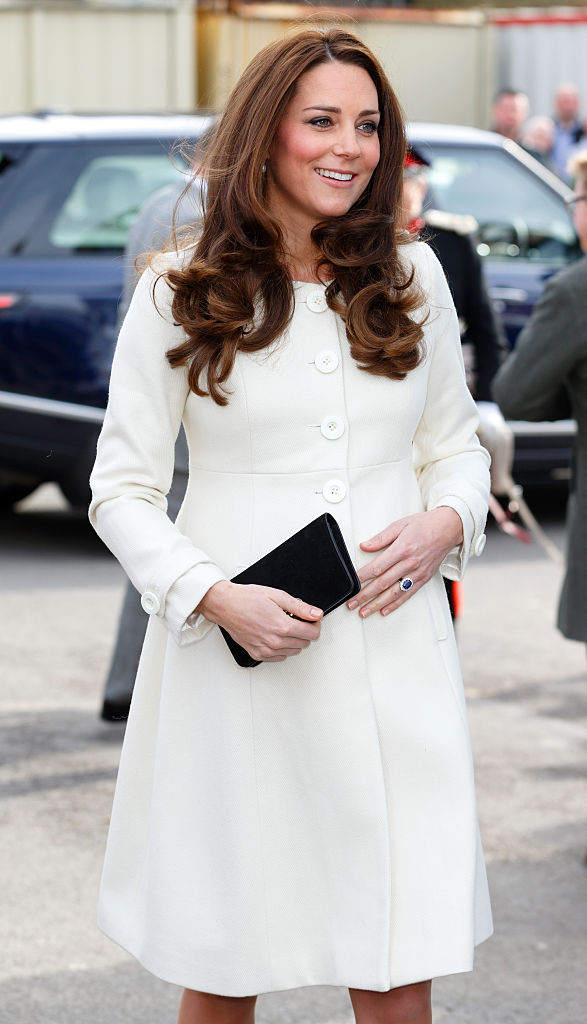 "LONDON, UNITED KINGDOM - MARCH 12: (EMBARGOED FOR PUBLICATION IN UK NEWSPAPERS UNTIL 48 HOURS AFTER CREATE DATE AND TIME) Catherine, Duchess of Cambridge visits the set of ""Downton Abbey"" at Ealing Studios on March 12, 2015 in London, England. (Photo by Max Mumby/Indigo/Getty Images)"