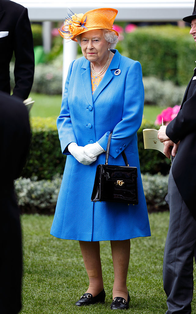 ASCOT, UNITED KINGDOM - JUNE 16: (EMBARGOED FOR PUBLICATION IN UK NEWSPAPERS UNTIL 48 HOURS AFTER CREATE DATE AND TIME) Queen Elizabeth II attends day 3 'Ladies Day' of Royal Ascot at Ascot Racecourse on June 16, 2016 in Ascot, England. (Photo by Max Mumby/Indigo/Getty Images)
