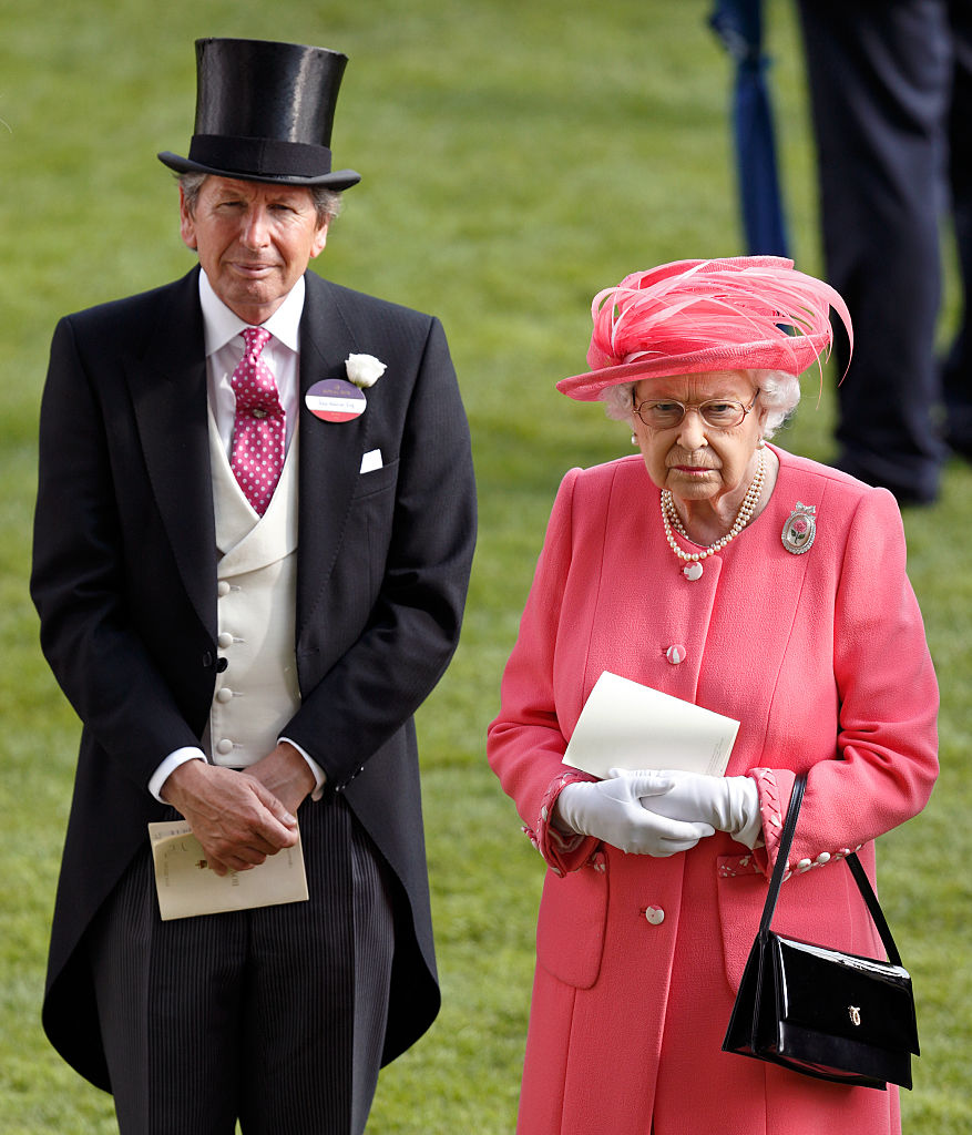 ASCOT, UNITED KINGDOM - JUNE 17: (EMBARGOED FOR PUBLICATION IN UK NEWSPAPERS UNTIL 48 HOURS AFTER CREATE DATE AND TIME) John Warren and Queen Elizabeth II attend day 4 of Royal Ascot at Ascot Racecourse on June 17, 2016 in Ascot, England. (Photo by Max Mumby/Indigo/Getty Images)