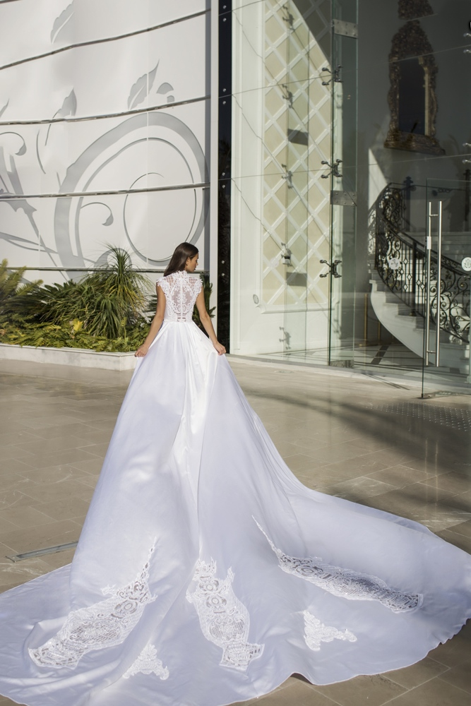 Nurit Hen_White Palace Couture_4_2016
