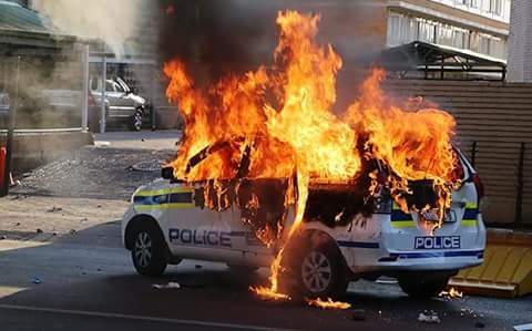 Police Vehicle on Fire in Sosha following protests. Credit: Twitter - @mohokare