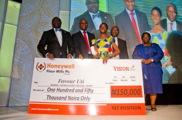 Lagos State Governor, Mr. Akinwunmi Ambode, Executive Director, Marketing, Honeywell Flour Mills Plc, Mr. Benson Evbuomwan, The Vision of the Child Painting Competition Winner, Miss Favour Uti, Executive Director, Supply Chain, HFMP, Mr. Rotimi Fadipe and Deputy Governor of Lagos State, Dr Idiat Oluranti Adebule at the VOTC Award Gala Night.