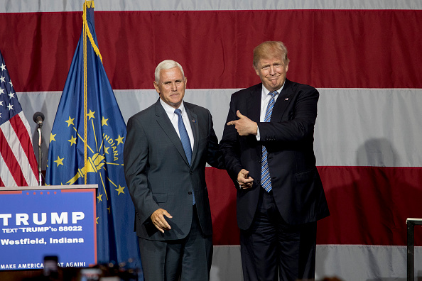 Mike Pence (L) and Donald Trump (R)