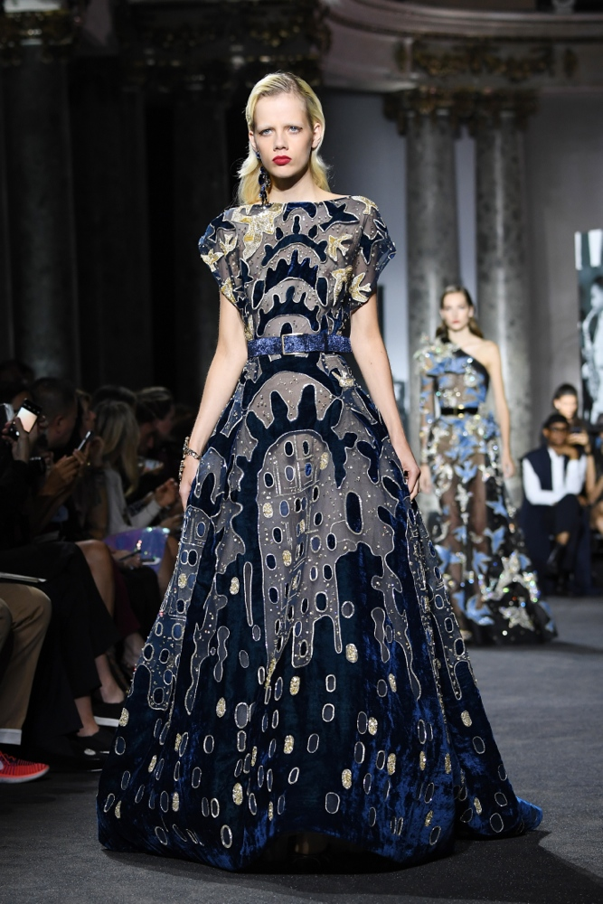 Elie saab haute couture ag43 regardsdefemmes for 667 haute culture