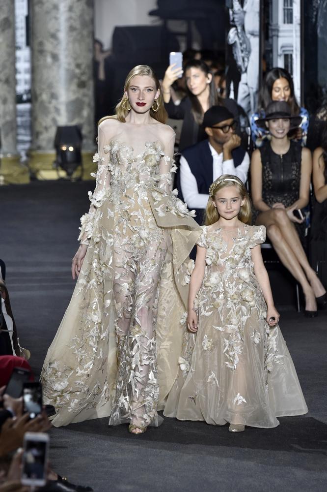 Elie Saab : Runway - Paris Fashion Week - Haute Couture Fall/Winter 2016-2017