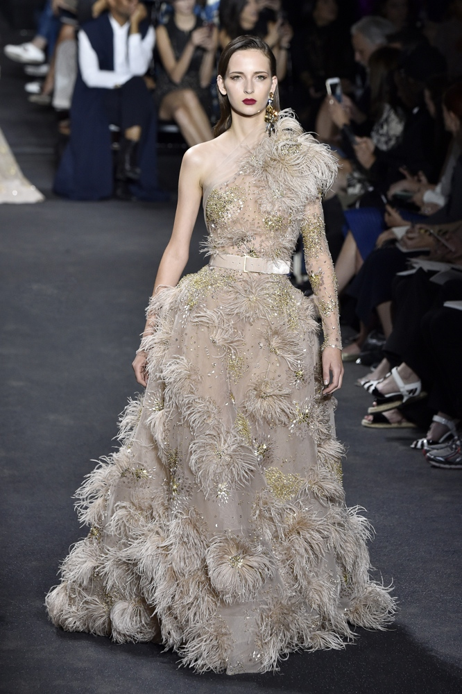 Elie saab at paris fashion week haute couture fall for Hout couture