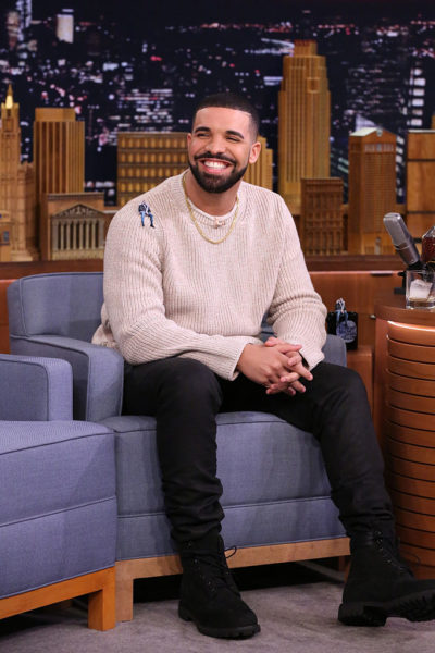 """Drake Ties with Michael Jackson for Longest-Ever Chart Domination with #1 Single """"One Dance"""" & Album """"Views"""" for 9 Straight Weeks"""