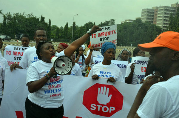 Protests against Dino Melaye in Abuja1