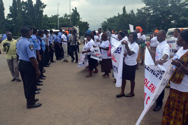 Protests against Dino Melaye in Abuja6