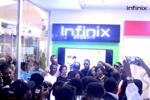 Dbanj with Infinix team at the unveiling of Infinix hot s at Slot