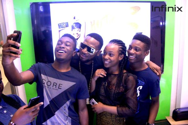 Dbanj with fans at Infinix HOT S launch