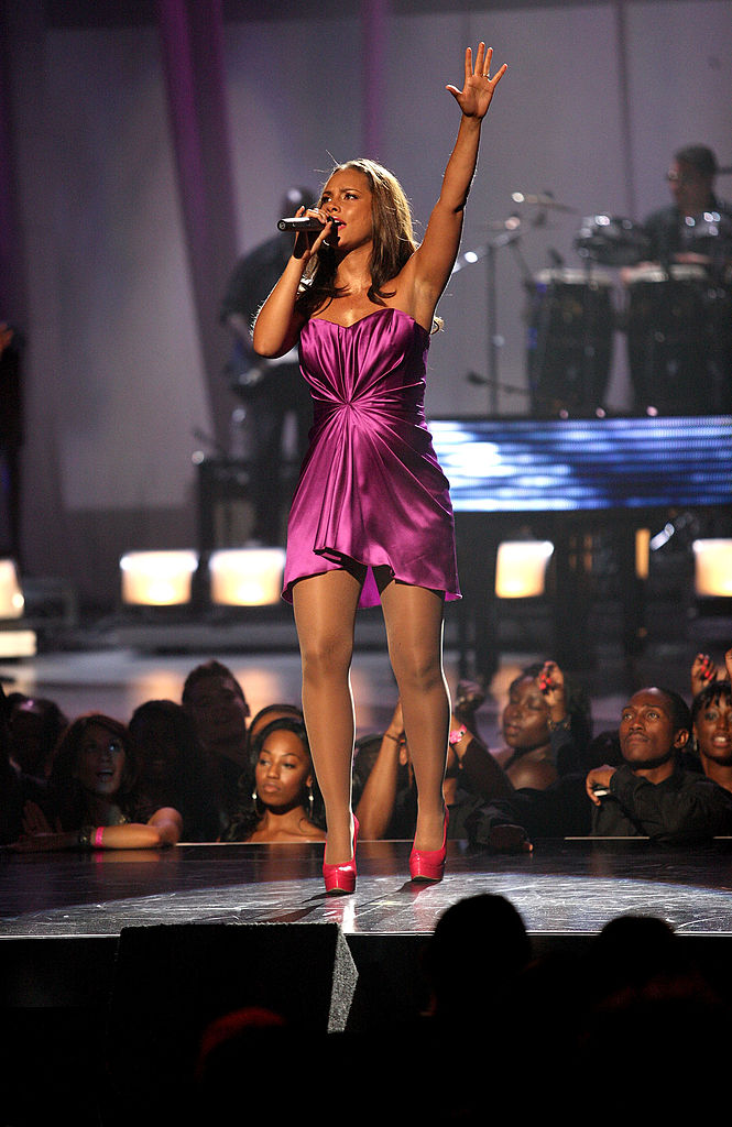 LOS ANGELES, CA - JUNE 27: Alicia Keys performs onstage during the 2010 BET Awards held at the Shrine Auditorium on June 27, 2010 in Los Angeles, California. (Photo by Frederick M. Brown/Getty Images)
