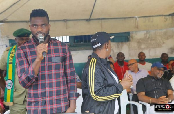Joseph Yobo at Ikoyi Prisons