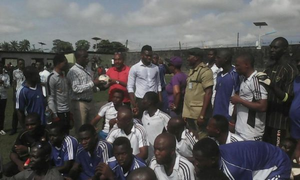 Joseph Yobo at Ikoyi Prisons7