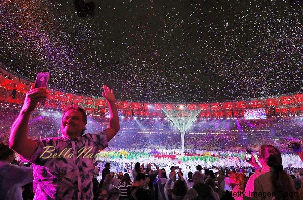 Confetti flies through Maracana Stadium during the closing ceremony of the Rio de Janeiro Olympics on Aug. 21, 2016. (Kyodo) ==Kyodo