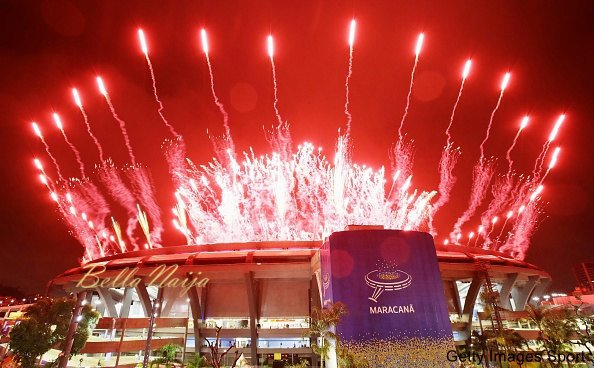 Fireworks soar above the Maracana Stadium during the closing ceremony of the Rio de Janeiro Olympics on Aug. 21, 2016. (Kyodo) ==Kyodo