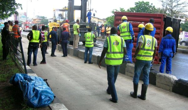 PIC 4. SCENE OF AN ACCIDENT AT PALM GROOVE BUS STOP, ON IKORODU ROAD, IN LAGOS ON THURSDAY THURSDAY (25/8/16) /25/08/2016/WAS/ICE/NAN