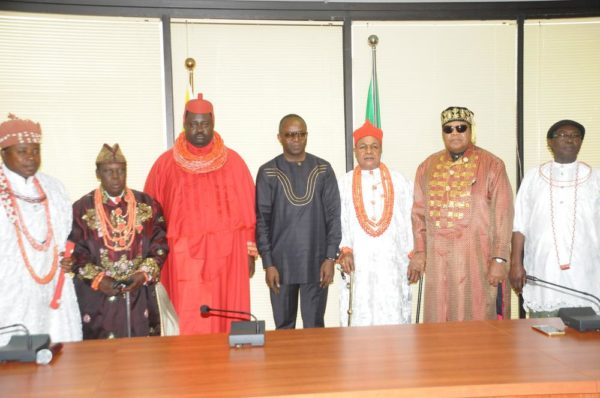 MINISTER OF PETROLEUM RESOURCES, DR IBE KACHIKWU  (M); THE EBENANAOWEI OF OGULAGHA KINGDOM,  KING JOSEPH  TIMIYAN (3RD-L); THE PARAMOUNT RULER OF SEIMBIRI KINGDOM, DR CHARLES AYEMI-BOTU (3RD-R);  KING JAJA OF OPOBO, DR DANDESON DOUGLAS (2ND-R);  AND OTHER  NIGER-DELTA MONARCHS DURING THEIR COURTESY CALL ON THE MINISTER IN ABUJA ON THURSDAY (25/8/16). 9575/25/8/2016/TA/BJO/NAN