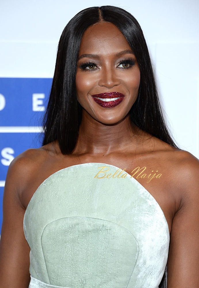 NEW YORK, NY - AUGUST 28:  Naomi Campbell attends the 2016 MTV Video Music Awards at Madison Square Garden on August 28, 2016 in New York City.  (Photo by Anthony Harvey/Getty Images)
