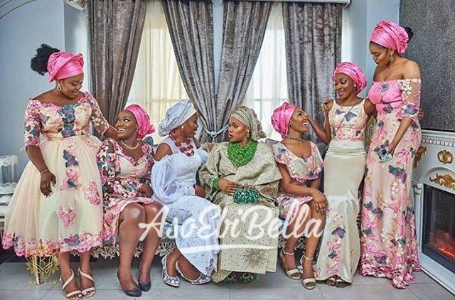 @sewa_artistry & her #asoebibella Planner @bisolatrendybee @trendybeevents Aso Oke & Beads @bimmms24 Fabric by @bunniebeesfabric