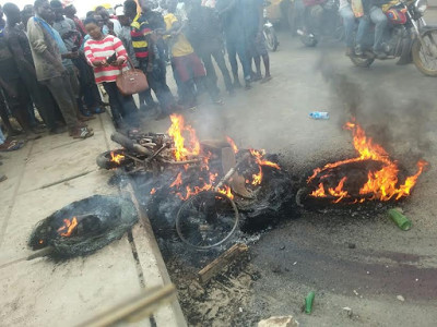 Mob Sets Commercial Motorcyclist Ablaze