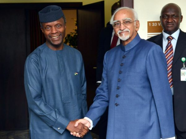 PIC.18. VICE PRESIDENT YEMI OSINBAJO IN A HANDSHAKE WITH THE INDIAN VICE PRESIDENT MOHAMMAD HAMID ANSARI, AFTER A BILATERAL TALKS BETWEEN NIGERIA AND INDIA AT THE PRESIDENTIAL VILLA IN  ABUJA ON TUESDAY (27/9/16). 7150/27/9/2016/IBRAHIM SUMAILA/BJO/NAN