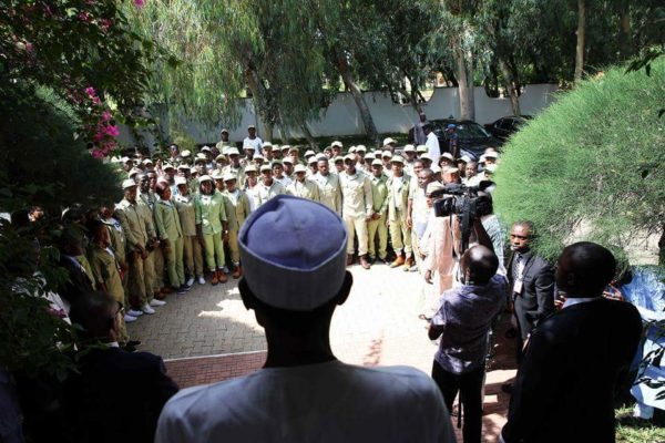 President Buhari Meets NYSC Members in Daura5