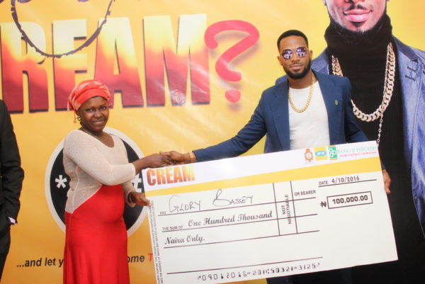 CREAM winner, Glory Bassey and Dbanj at the Prize presentation on Tuesday, October 4, 2016