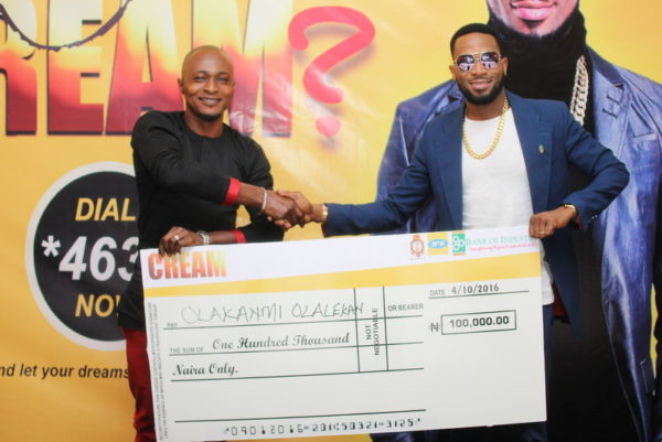 CREAM winner, Olakanmi Olalekan and Dbanj at the Prize presentation on Tuesday, October 4, 2016