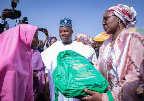 Aisha Buhari Donates Food Stuff to Kaga Community6