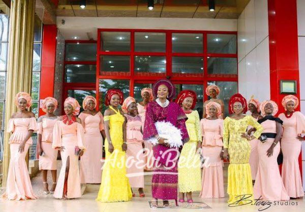 Bride-and-her-AsoEbiBella_aso-ebi-asoebi-asoebibella
