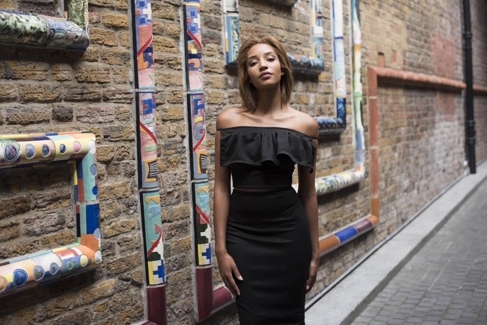 Womenswear brand maison mimi presents it s travel series for Maison brand