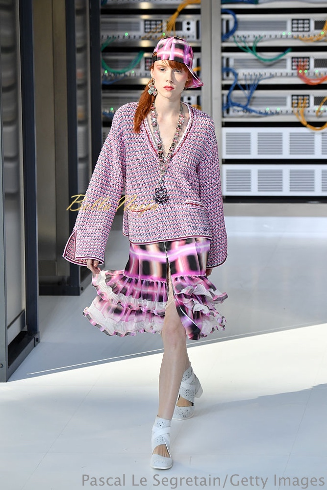 PARIS, FRANCE - OCTOBER 04: A model walks the runway during the Chanel show as part of the Paris Fashion Week Womenswear Spring/Summer 2017 on October 4, 2016 in Paris, France. (Photo by Pascal Le Segretain/Getty Images)